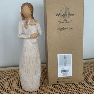 WILLOW TREE - mommy with baby figurine